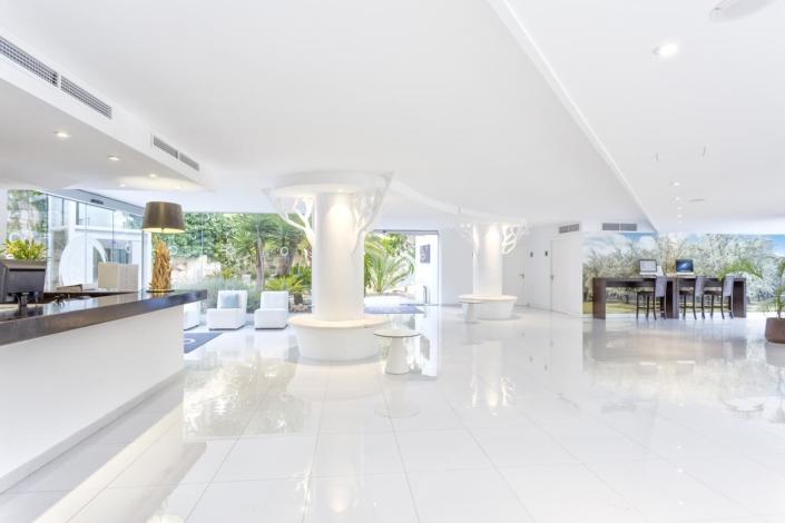 FERGUS Style Cala Blanca Suites - Lodge