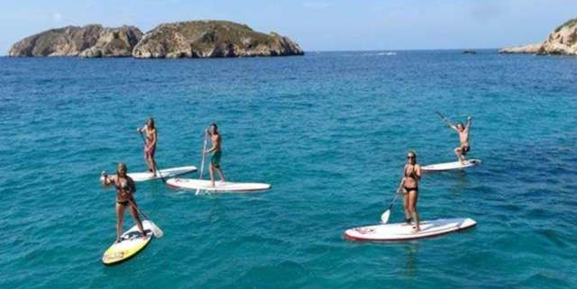 Surfing and stand up paddle tour in Santa Ponsa