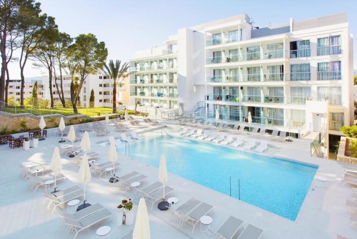Senses Hotel in Santa Ponsa - Pool