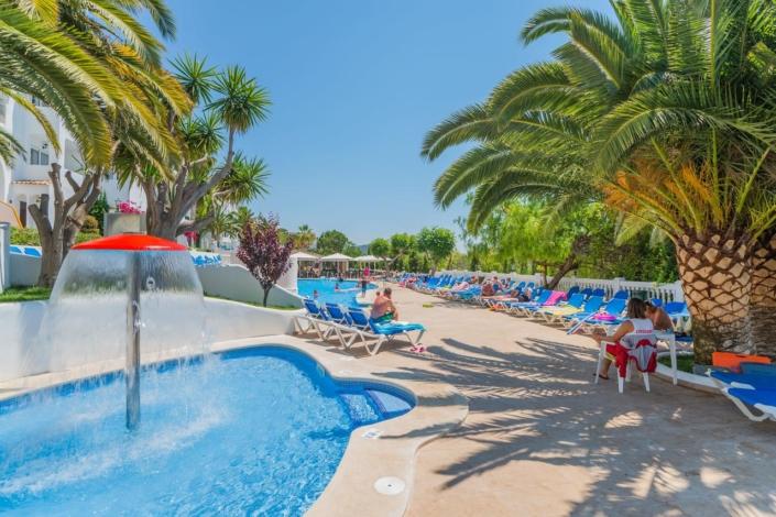 Aparthotel Holiday Centre in Santa Ponsa - Pool