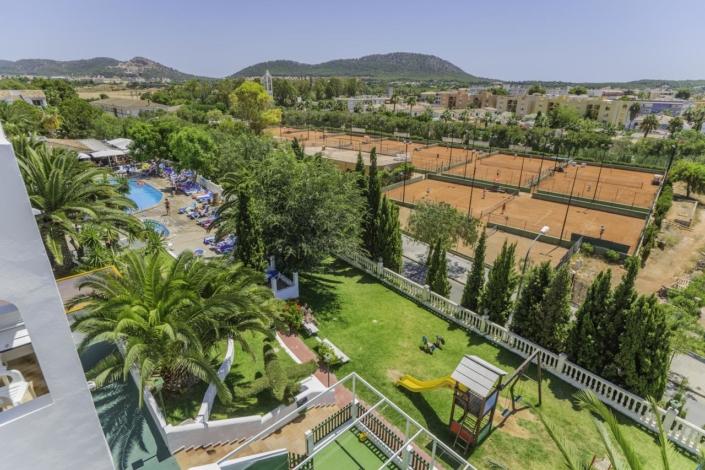Aparthotel Holiday Centre in Santa Ponsa - Outside